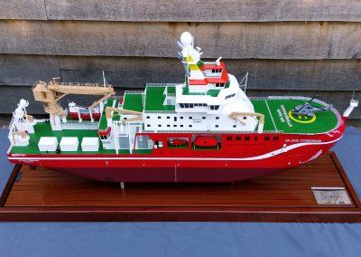 UT851 Starboard Side